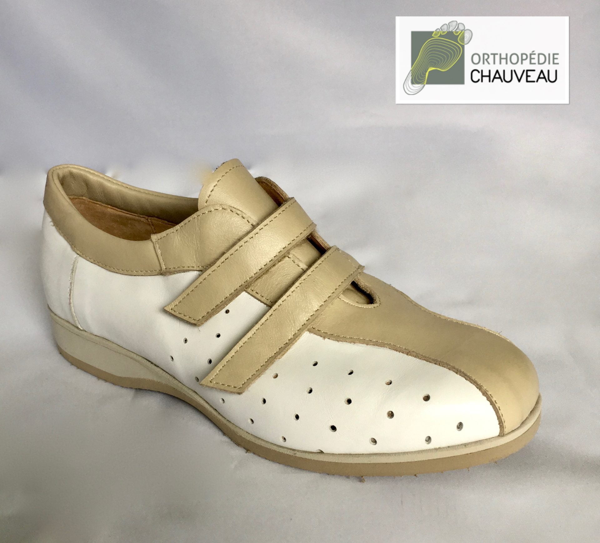 chaussures orthopediques Rennes blanche